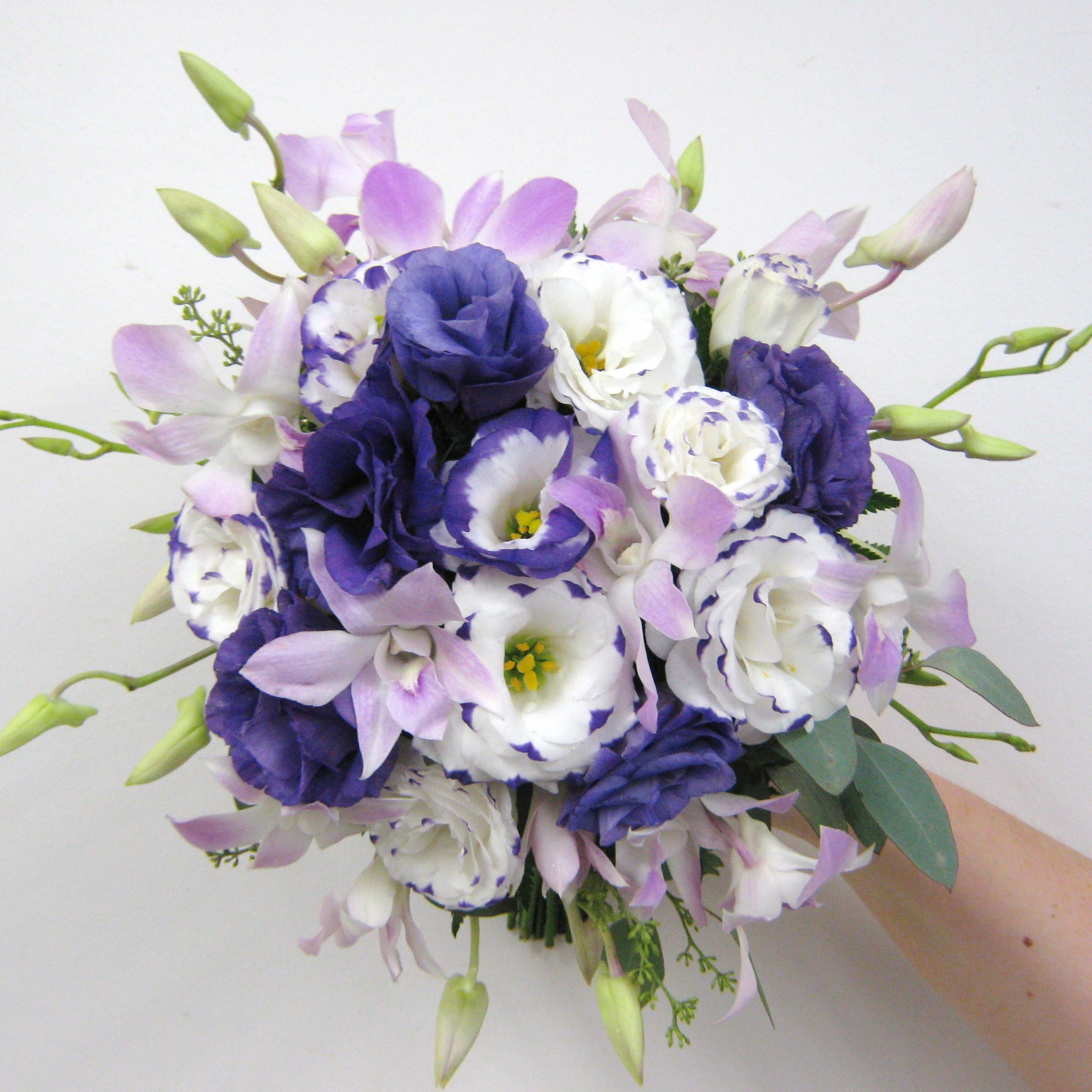 Purple and Lavender Wedding Flowers for a Wedding at Avanti Mansion ...