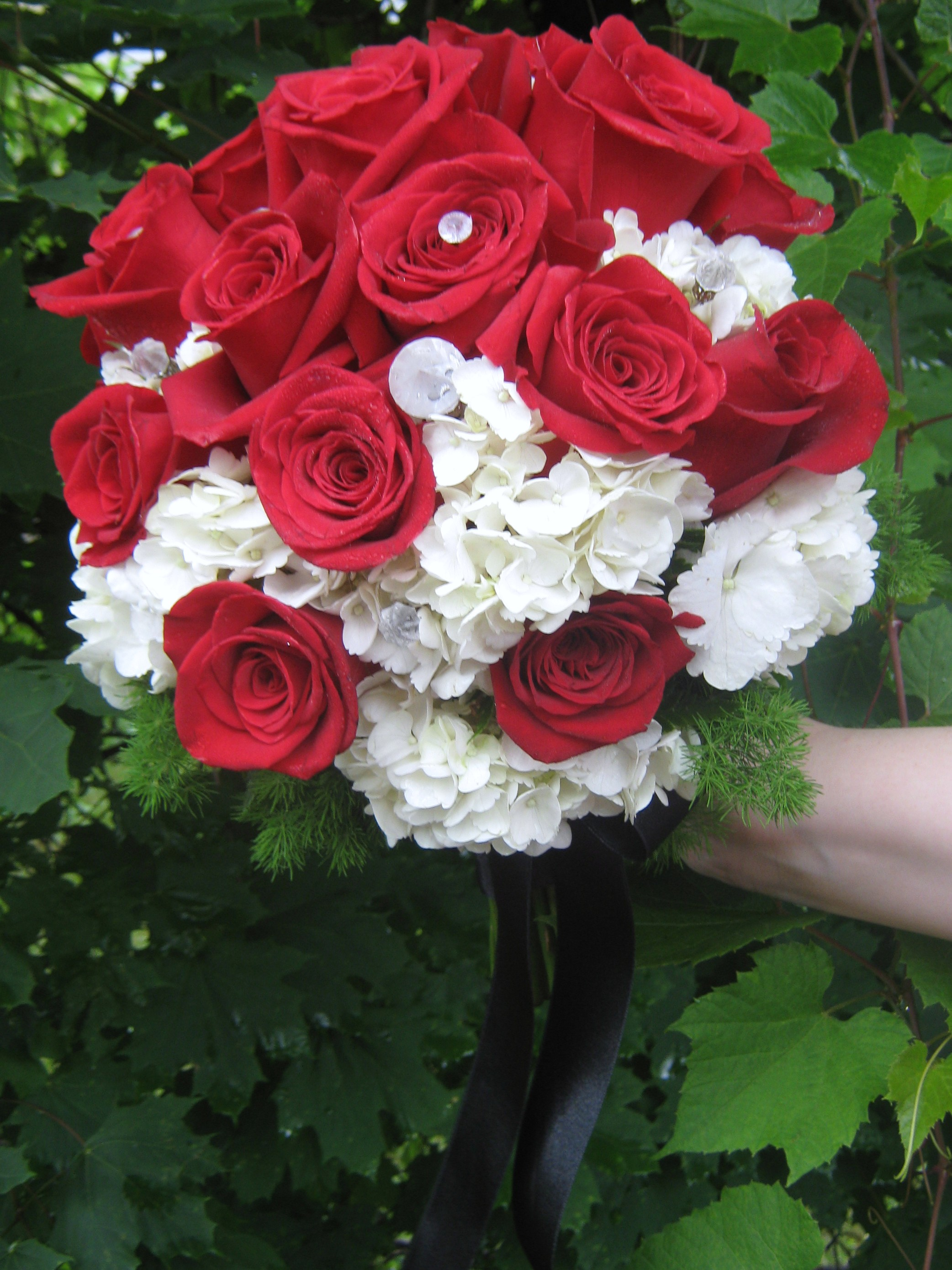 Red and black wedding flowers buffalo wedding event flowers by williamsville ny wedding flowers mightylinksfo