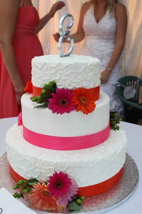Wedding Cake Flowers Buffalo Wedding Event Flowers By Lipinoga