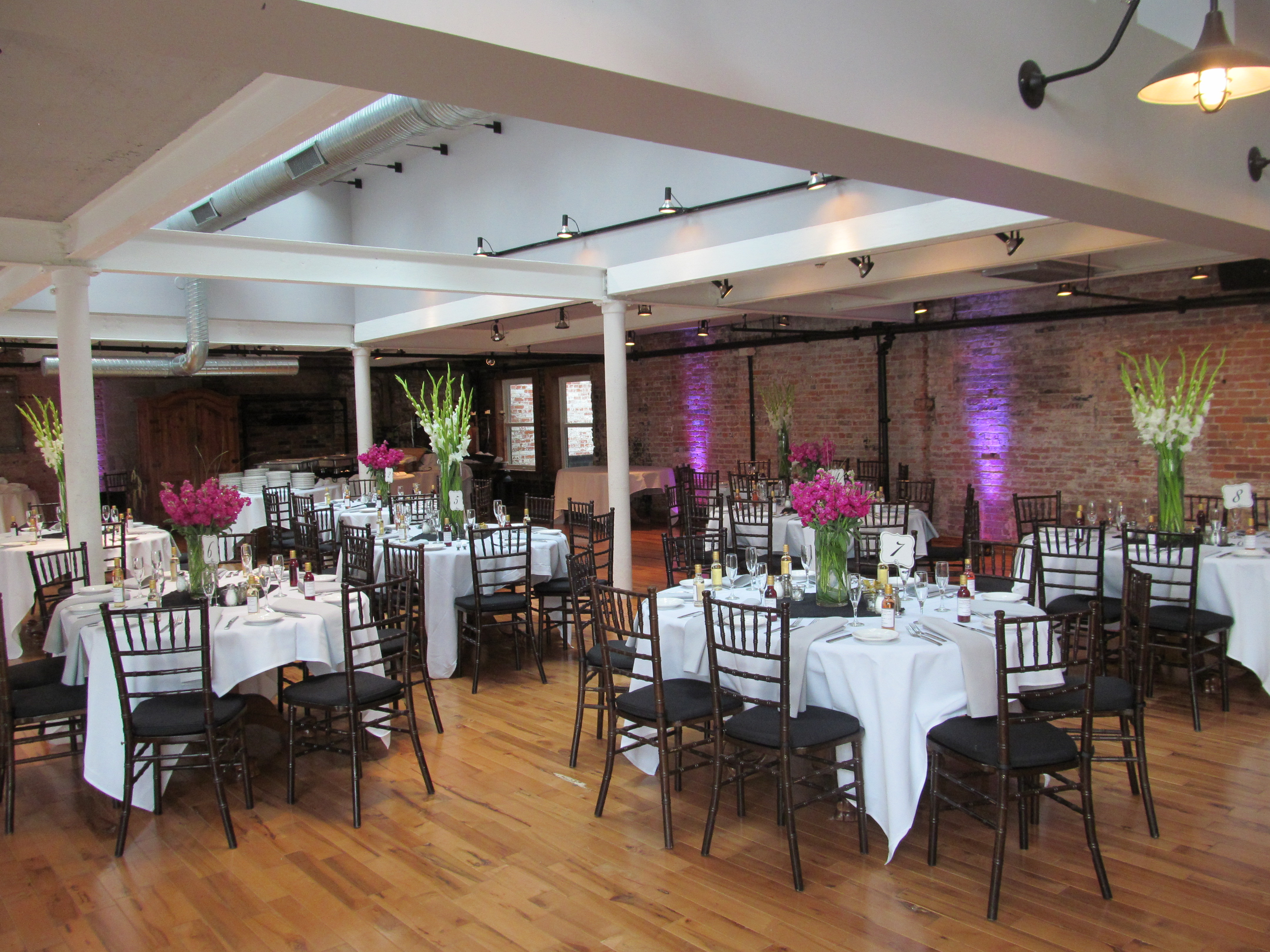 Fuchsia Wedding At The Lafayette In Downtown Buffalo Buffalo Wedding Amp Event Flowers By